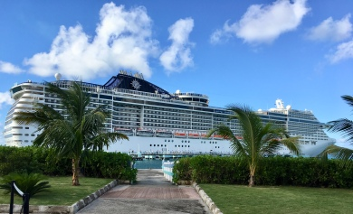 32ad331184 1-Porque fazer um Cruzeiro  Viajar de navio é estar num hotel 5 estrelas  flutuante e uma oportunidade de conhecer um pouco de cada lugar.